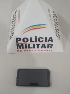 ACIONOU A POLÍCIA MILITAR  E CONSEGUIU RECUPERAR CELULAR ROUBADO COM AGRESSÃO EM AVENIDA DA CIDADE