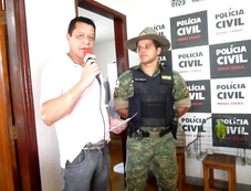 POLÍCIA AMBIENTAL FAZ APREENSÃO DE PÁSSARO NO MUNICÍPIO DE SERRA DO SALITRE