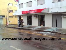 NOVOS DETALHES SOBRE A EXPLOSÃO NA AGENCIA BANCÁRIA DE SERRA DO SALITRE NA MANHÃ DESTE SÁBADO