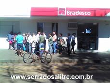 O IMPACTO DA EXPLOSÃO NA AGENCIA BRADESCO EM SERRA DO SALITRE CONTINUA
