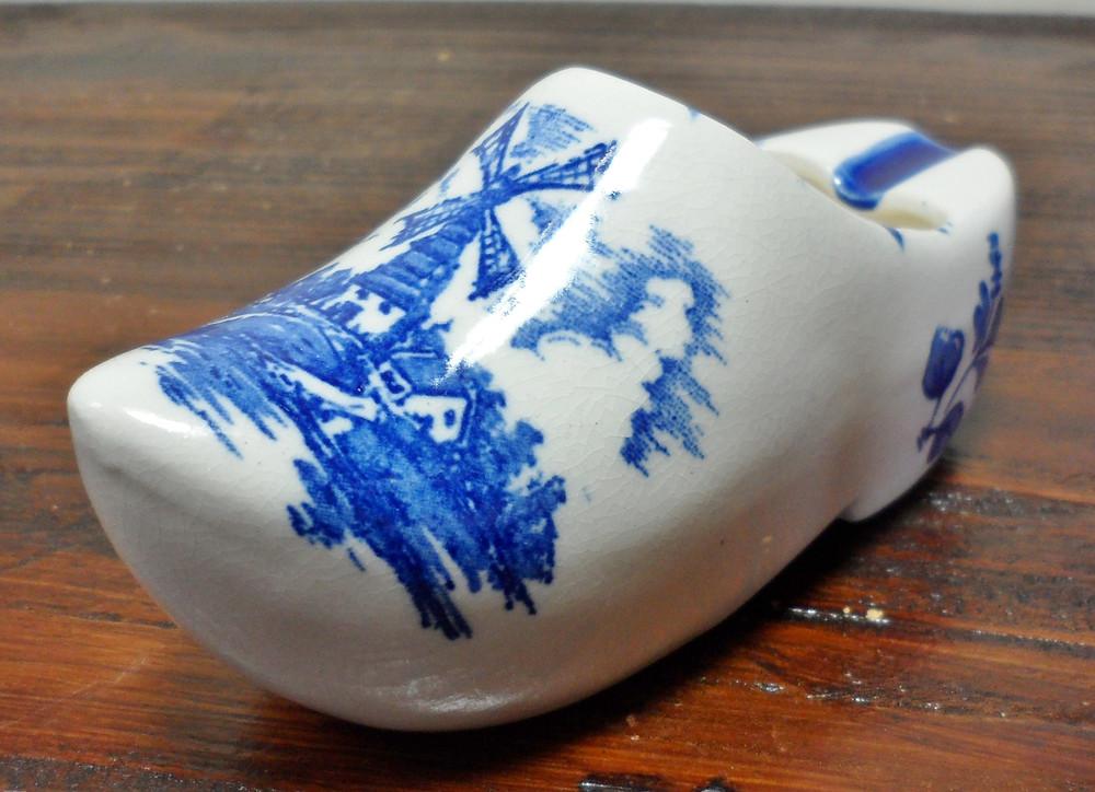 vintage-hand-painted-delfts-dutch-blue-windmill-shoe-boot-clog-ashtray-planter.j