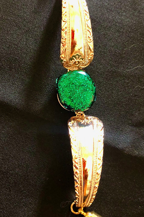 Green Glass and Gold Tone Bracelet