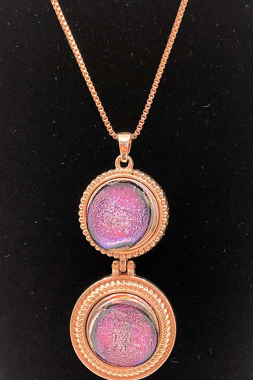 Necklace with pendant drop