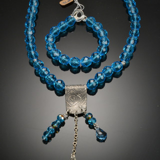 Aqua Crystal and silver necklace and bracelet se