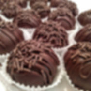 vegan cake balls, ave mkt, avenue market, strongsville, cleveland, northeast ohio, bakery, best bakery, cookie dough, cookie dough balls, vegan cookie dough, vegan, gluten free, dairy free, vegan bakery, vegan sweets, vegan cake pops, vegan truffles