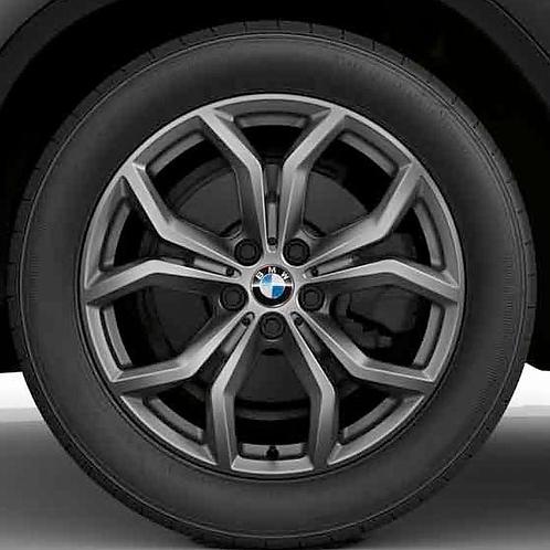 Комплект зимних оригинальных колес Y-Spoke 694 G02