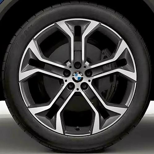 Комплект оригинальных колесных дисков Y-Spoke 744 Bicolor G06