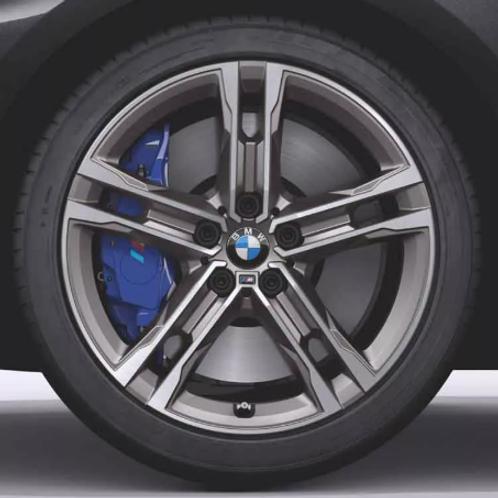 Комплект зимних оригинальных колес Double Spoke 556M F44