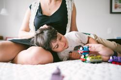 ensaio de familia em casa mãe e filho