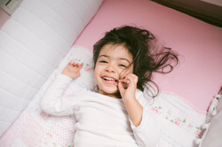 ensaio de familia em casa fotografia infantil