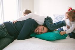 ensaio de familia em casa pai e filho