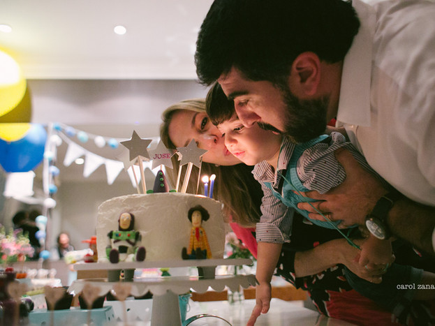 Ao infinito e além · ensaio de família + festa em casa