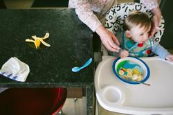 ensaio de familia em casa introdução alimentar