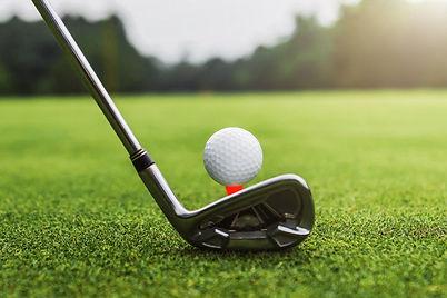 20200710-144948-golf-club-golf-ball-green-grass-wiht-sunset.jpg