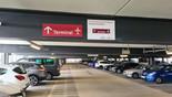Parkhaus P7/P8   Weg zum Terminal