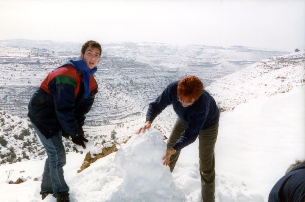 עם רותי בשלג.jpg