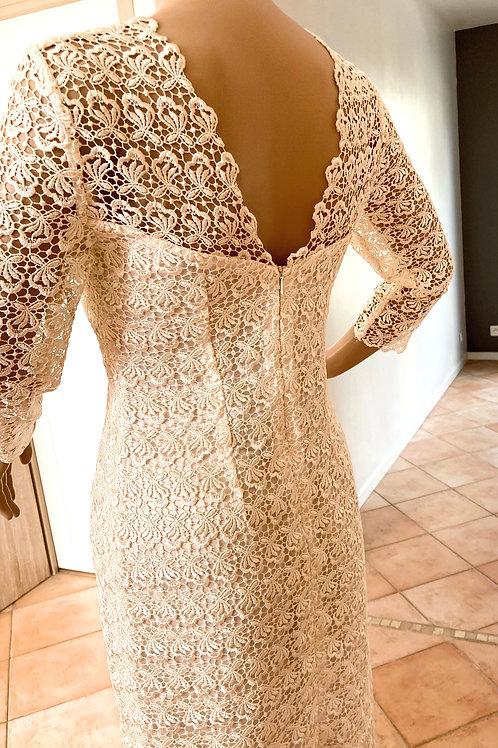 Robe en dentelle couleur champagne LAETITIA