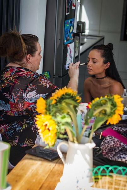 Elizabeth Dyer with MUA Nikki Tipping