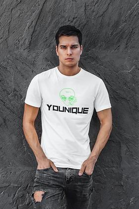 """""""Younique"""" Tshirt of alien smoking"""