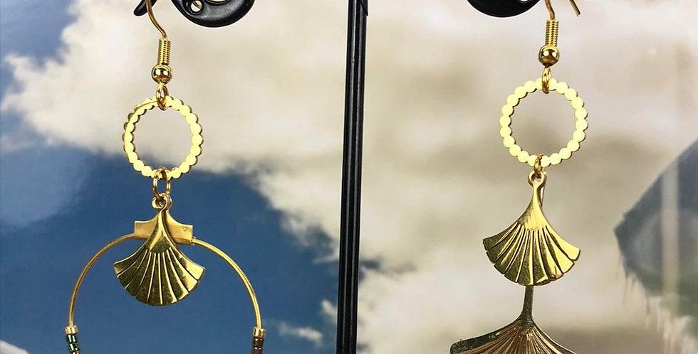 Boucles d'oreilles asymétriques, ginkgo, en acier inoxydable doré