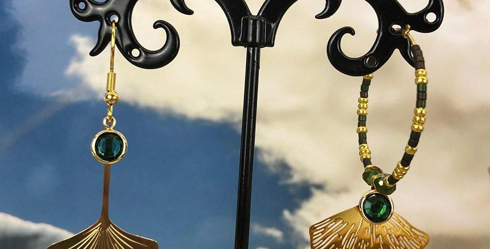 Boucles d'oreilles asymétriques en acier doré et vert