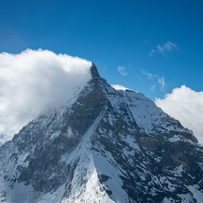 Schweiz · Flug übers Wallis