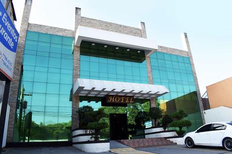 Hotel y Centro de Convenciones California en Huehuetenango