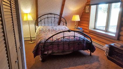 queen bedroom.png