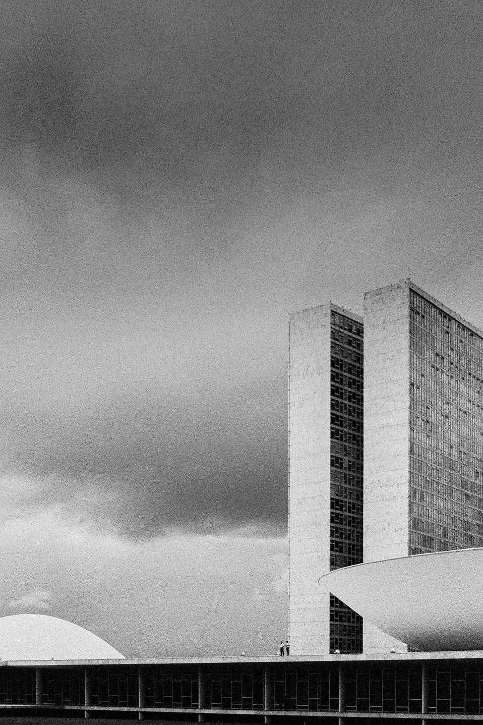 Palácio do Congresso Nacional (1960) Oscar Niemeyer & Joaquim Cardoso Brasília, Brasil   . Analogic 2016 © Jérémy Pernet