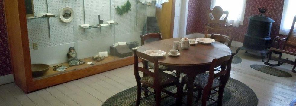 Todd House Interior Dining Room 2015-1.j