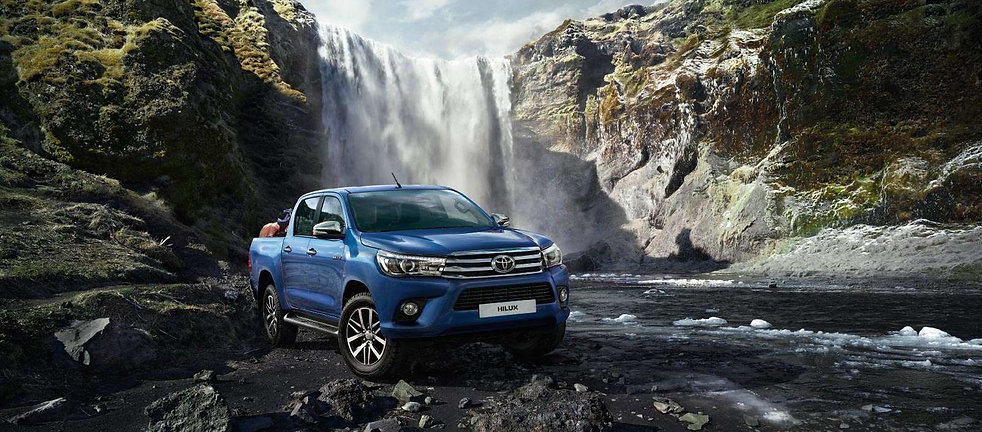 toyota-Hilux-2015-exterior-tme-001-a-ful