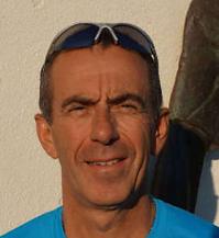 Entraîneur club de course à pieds courir à sausset