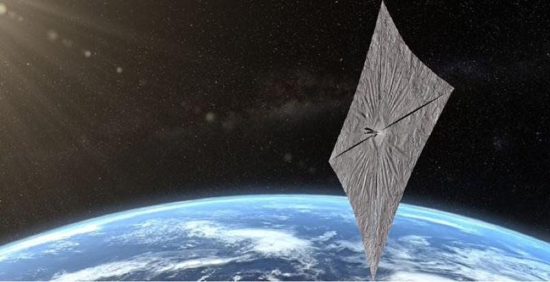 Lanciata la vela spaziale a propulsione solare.