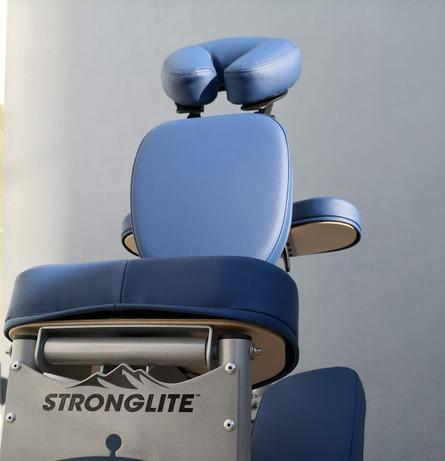 Mon acolyte des massages assis