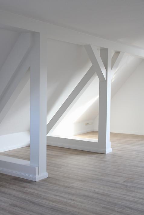 Neuvermietung Dachgeschosswohnung in Ludwigsfelde - Handrick Immobilien - Hausverwaltung und Immobilienmakler in Ludwigsfelde und Umgebung