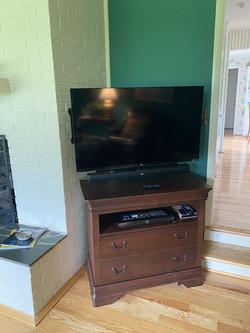 42_ TV & Soundbar Mount
