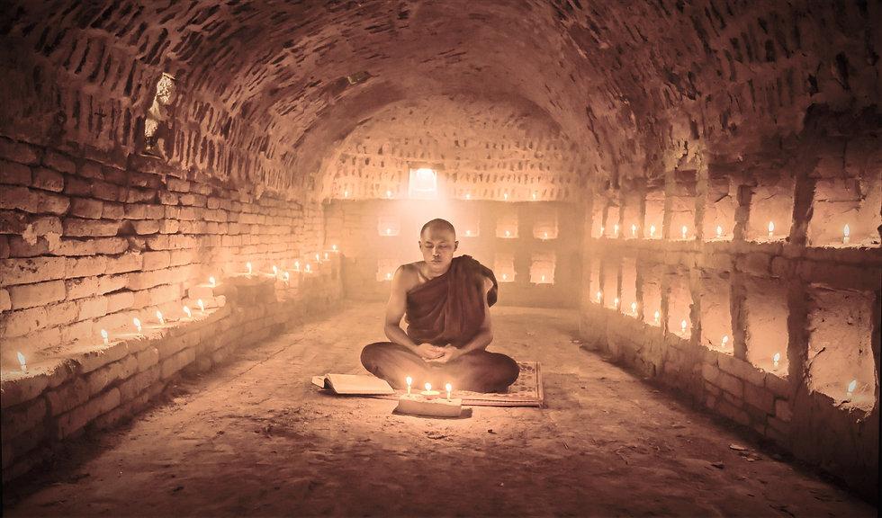 Buddhist%20Monk%20Meditating_edited.jpg
