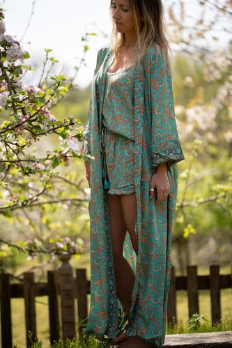Kimono turk thistle