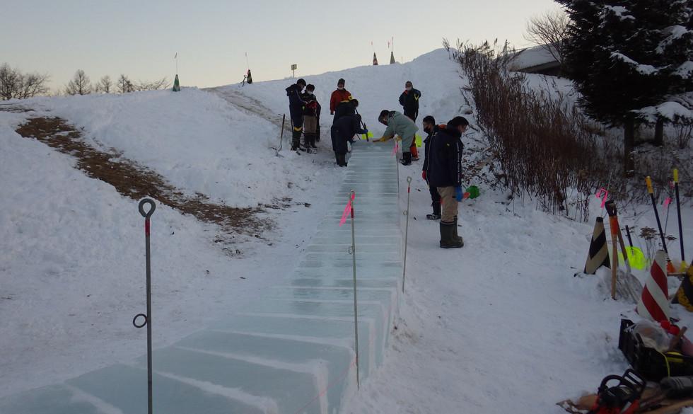 R3.1.13 エコロジーパーク氷の滑り台作成