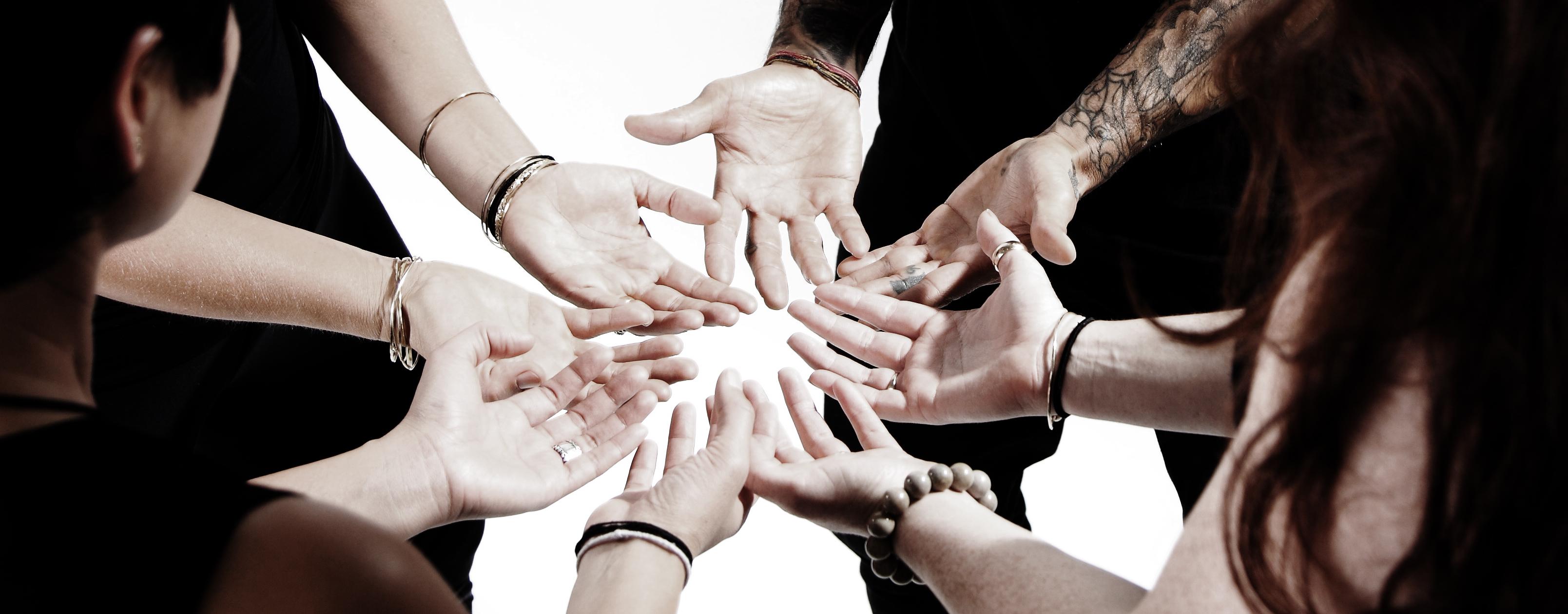 576_hands
