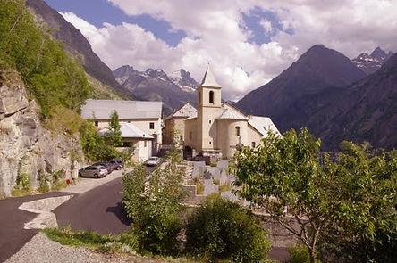 voici le village de st christophe en oisans