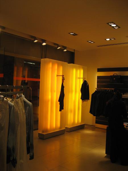 SELECTED MEN&WOMEN'C CLOTHING