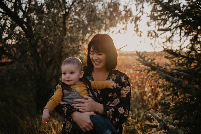 regina-golden-hour-family.jpg