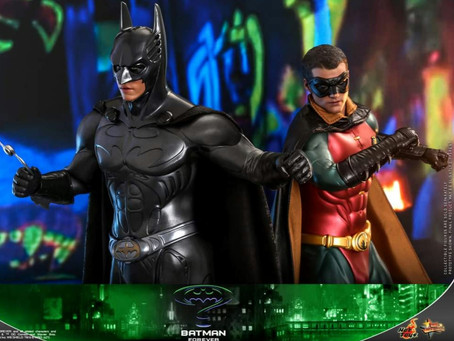 Hot Toys finally announces Batman Forever 1/6th scale Batman and Robin.