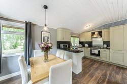 8257978-bluewood_bluw_lp_woodstock_lodge-interior09-print