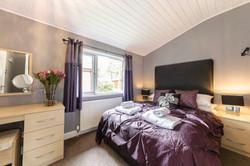 8257978-bluewood_bluw_lp6722_valentine_lodge-interior01-print