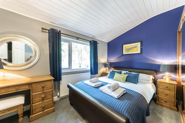 8257978-bluewood_bluw_lp_woodstock_lodge-interior05-print