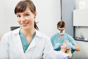Zahnarzthelferin