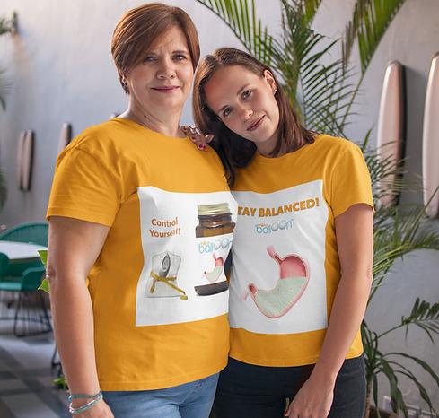 mom-and-daughter-wearing-t-shirts-mockup
