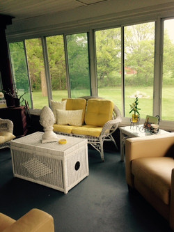 THREE SEASON SUNROOM